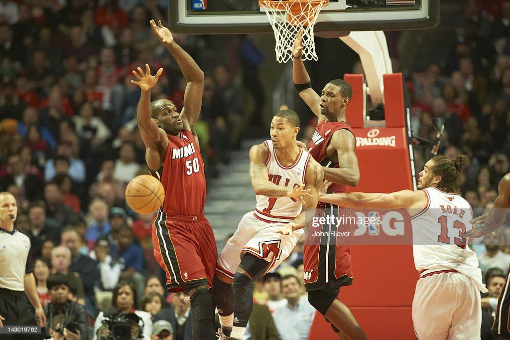 Chicago Bulls Derrick Rose in action, passing vs Miami Heat