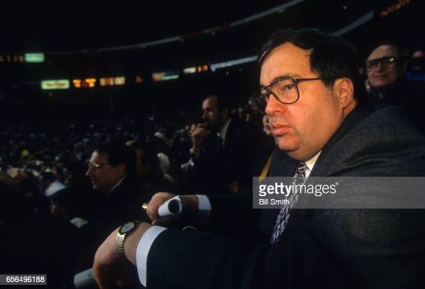 Chicago Bulls general manager Jerry Krause and wife Thelma watching game at the United Center. Chicago, IL 11/6/1992 -- 4/25/1993 CREDIT: Bill Smith