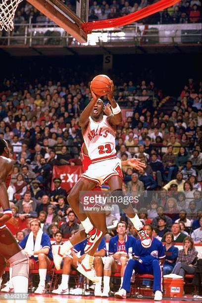 Basketball: Chicago Bulls Michael Jordan in action, taking shot vs Philadelphia 76ers, Chicago, IL