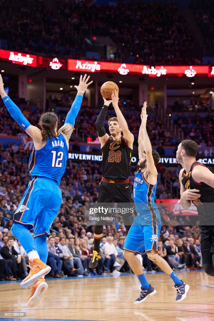 Cleveland Cavaliers Kyle Korver (26) in action, shooting vs Oklahoma City Thunder at Chesapeake Energy Arena. Greg Nelson TK1 )