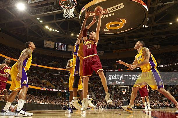 Cleveland Cavaliers Zydrunas Ilgauskas in action vs Los Angeles Lakers Cleveland OH 1/21/2010 CREDIT John Biever