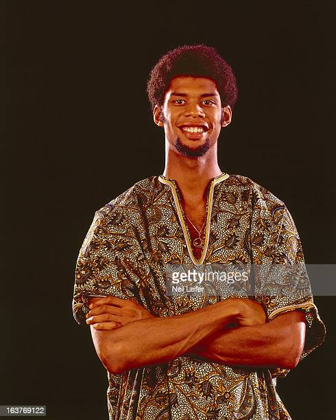Closeup portrait of Milwaukee Bucks Lew Alcindor casual wearing dashiki during photo shoot New York NY CREDIT Neil Leifer