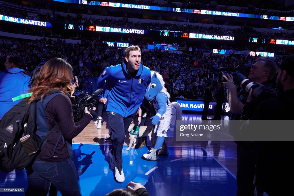 Dallas Mavericks Dirk Nowitzki (41) during introductions before game vs Los Angeles Lakers at American Airlines Center. Greg Nelson TK1 )