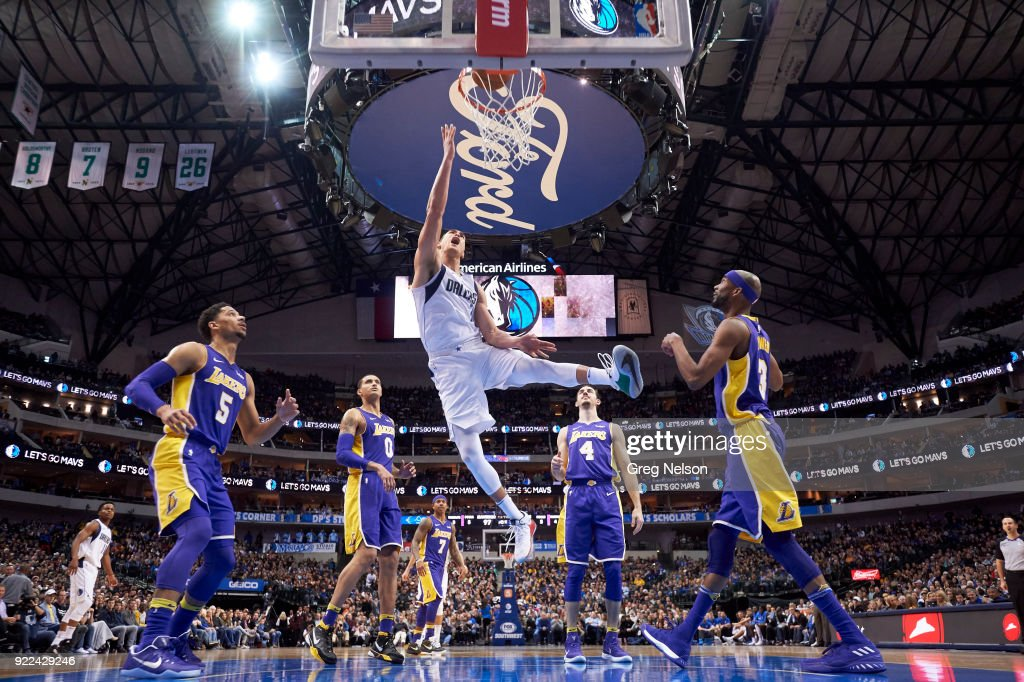 Dallas Mavericks Dwight Powell (7) in action vs Los Angeles Lakers at American Airlines Center. Greg Nelson TK1 )