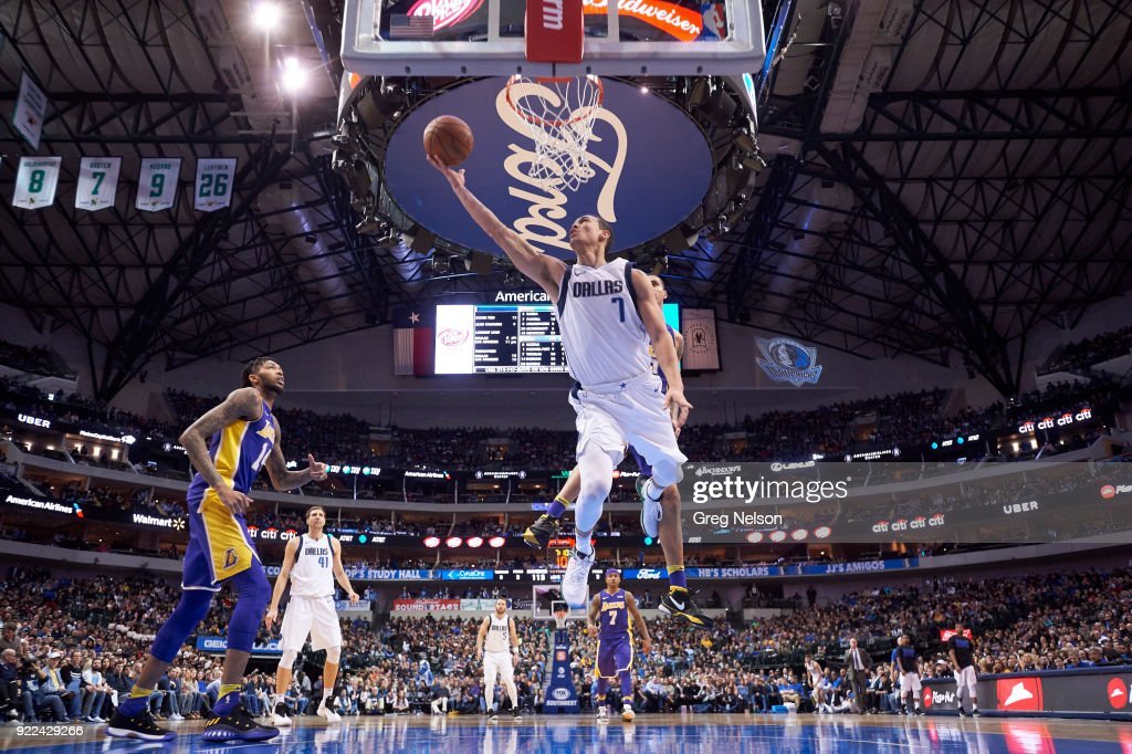Dallas Mavericks vs Los Angeles Lakers : Nachrichtenfoto