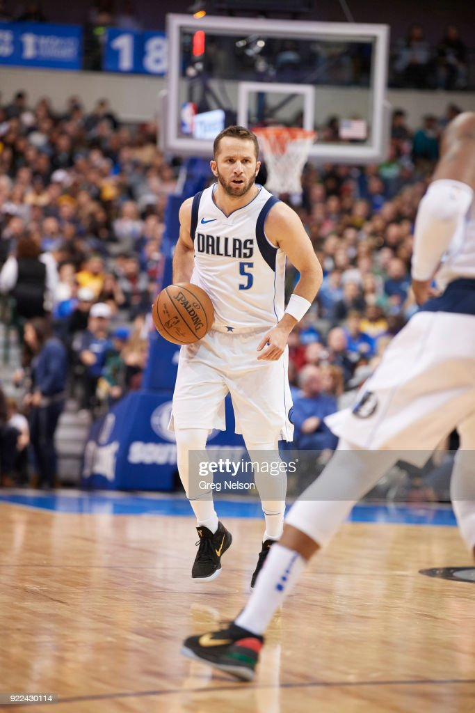 Dallas Mavericks J.J. Barea (5) in action vs Los Angeles Lakers at American Airlines Center. Greg Nelson TK1 )