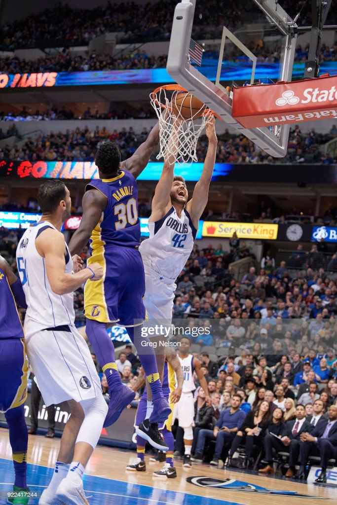 Dallas Mavericks Maxi Kleber (42) in action vs Los Angeles Lakers at American Airlines Center. Greg Nelson TK1 )
