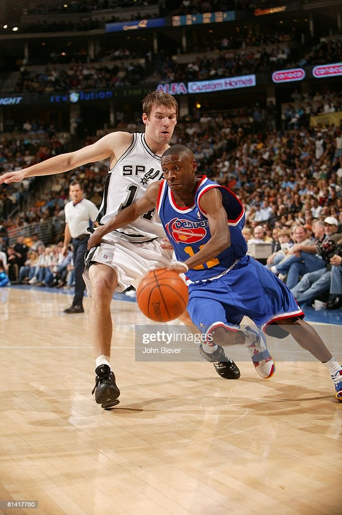 Denver Nuggets Earl Boykins in action and wearing throwback jersey ... b67a4e270