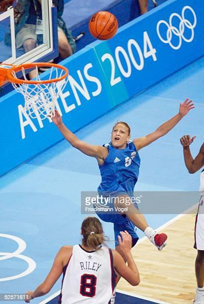 Basketball / Frauen Olympische Spiele Athen 2004 Athen USA Griechenland Ruth RILEY / USA Anastasia KOSTAKI / GRE 250804
