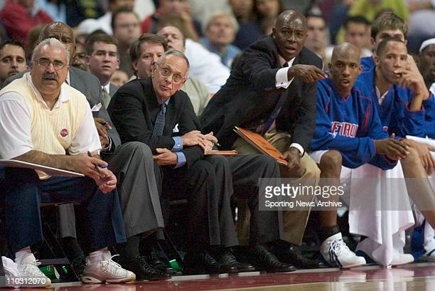 NBA Basketball Houston Rockets against Detroit Pistons head coach Larry Brown assistant coach Phil Ford on Nov 2 2004 in Auburn Hills Mich Detroit...