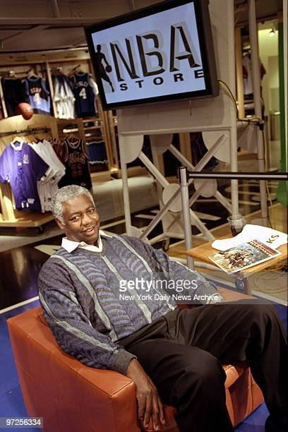 9d0ac72e0 Basketball legend Oscar Robertson is on hand to sign his boo Pictures