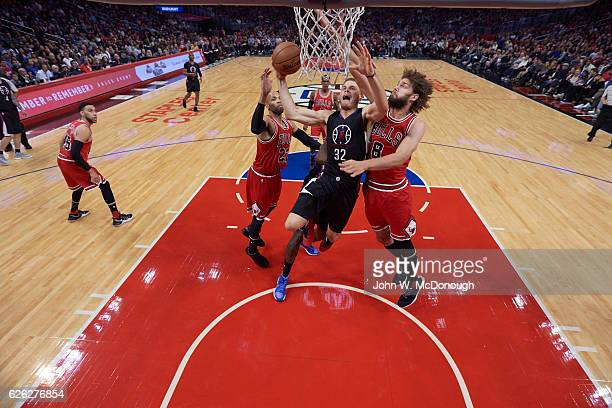 Los Angeles Clippers Blake Griffin in action vs Chicago Bulls Robin Lopez at Staples Center Los Angeles CA CREDIT John W McDonough