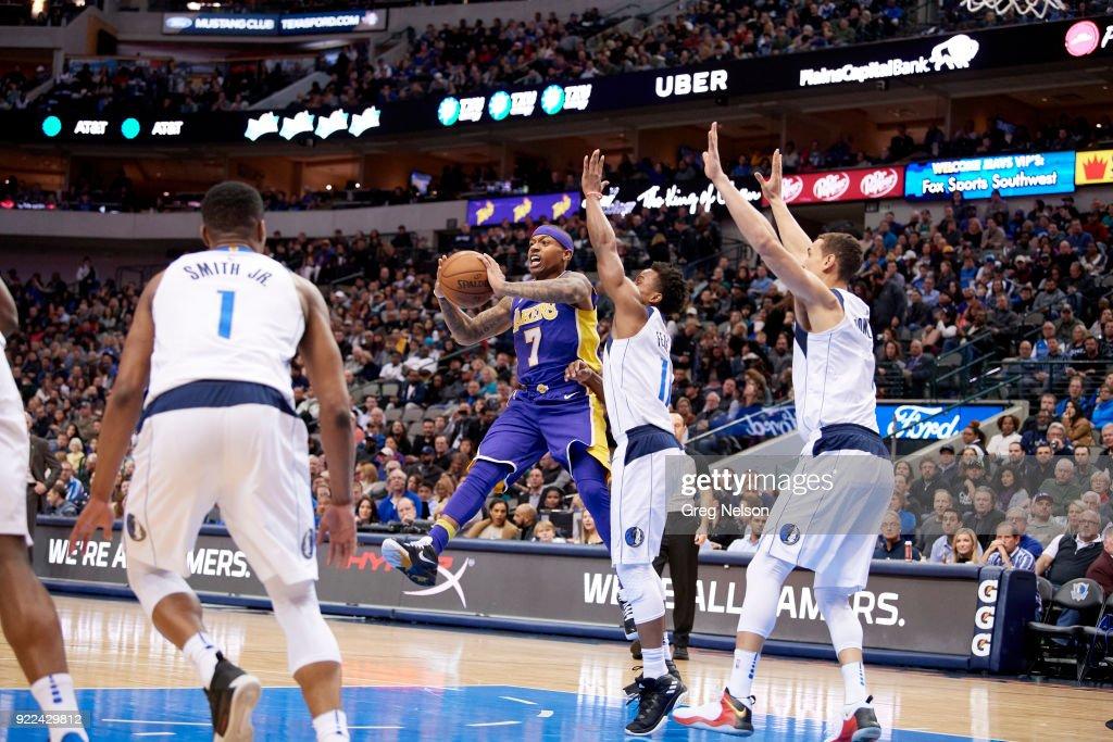 Los Angeles Lakers Isaiah Thomas (7) in action, passing vs Dallas Mavericks at American Airlines Center. Greg Nelson TK1 )