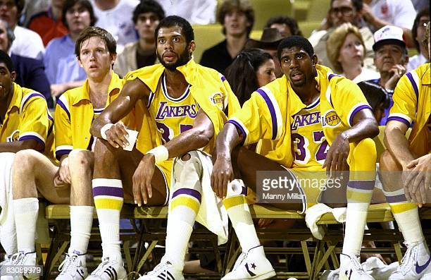Los Angeles Lakers Kareem AbdulJabbar and Magic Johnson on sideline during game vs San Antonio Spurs Los Angeles CA CREDIT Manny Millan