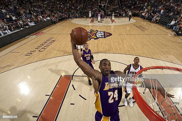 Los Angeles Lakers Kobe Bryant in action making dunk vs Phoenix Suns Phoenix AZ CREDIT John W McDonough