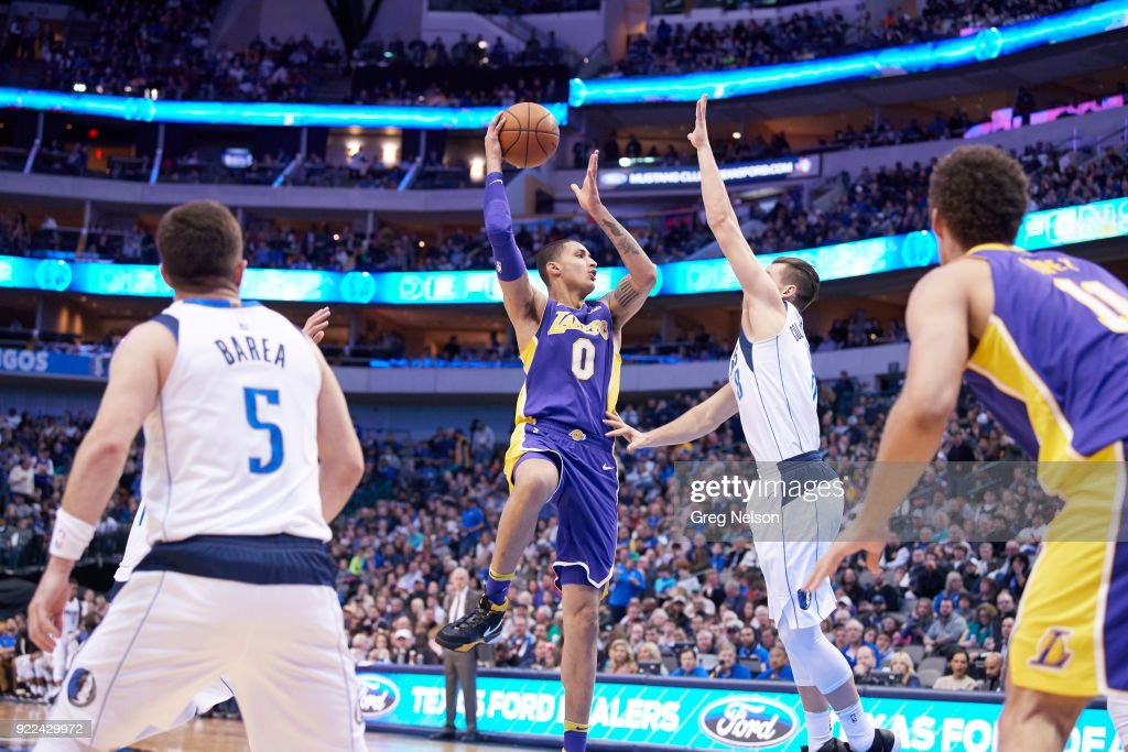 Los Angeles Lakers Kyle Kuzma (0) in action, passing vs Dallas Mavericks at American Airlines Center. Greg Nelson TK1 )