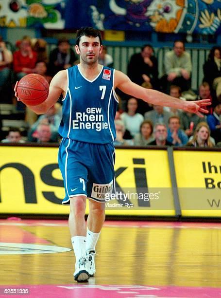Basketball / Maenner DBBPokal 03/04 Viertelfinale Bonn Telekom Baskets Bonn RheinEnergie Koeln 7488 Vladimir BOGOJEVIC / Koeln 250204