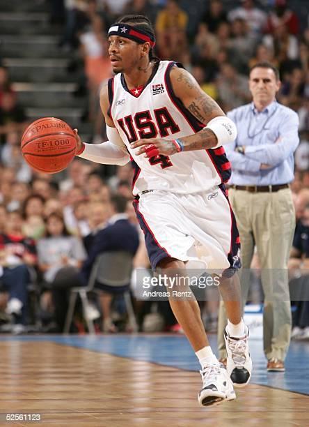 Basketball / Maenner Laenderspiel 2004 Koeln USA Italien 7895 Allen IVERSON / USA 030804