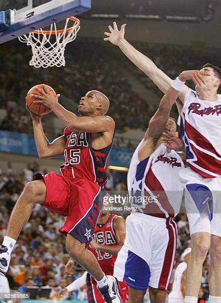 Basketball / Maenner Olympische Spiele Athen 2004 Athen USA Puerto RICO 7392 Richard JEFFERSON / USA auf dem Weg zu zwei weiteren Punkten