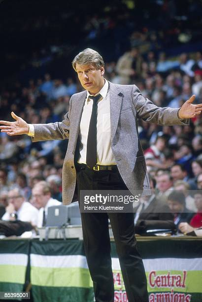 Milwaukee Bucks coach Don Nelson on sidelines during game vs Washington Bullets Milwaukee WI 1/8/1985 CREDIT Heinz Kluetmeier