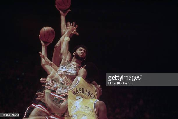 Multiple exposure view of Milwaukee Bucks Kareem AbdulJabbar in action shot  vs Los Angeles Lakers at 5abe8ade1