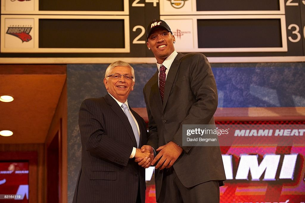 NBA commissioner David Stern shaking hands with Miami Heat pick Michael Beasley during draft at Madison Square Garden. New York, NY 6/26/2008