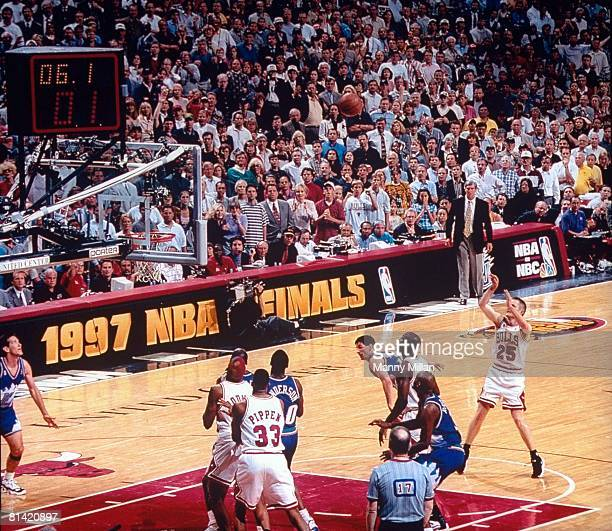Basketball NBA Finals Chicago Bulls Steve Kerr in action making game winning shot vs Utah Jazz Game 6 Chicago IL 6/13/1997