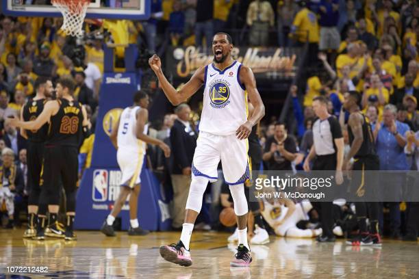 NBA Finals Golden State Warriors Kevin Durant victorious during game vs Cleveland Cavaliers at Oracle Arena Game 1 Oakland CA CREDIT John W McDonough