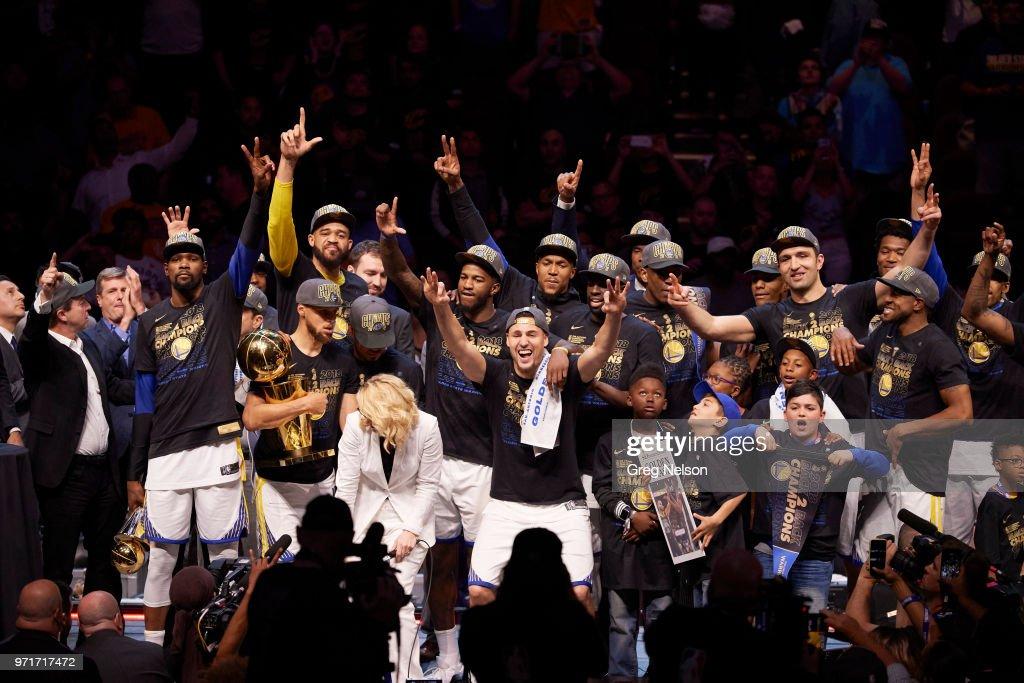 Cleveland Cavaliers vs Golden State Warriors, 2018 NBA Finals : Fotografía de noticias