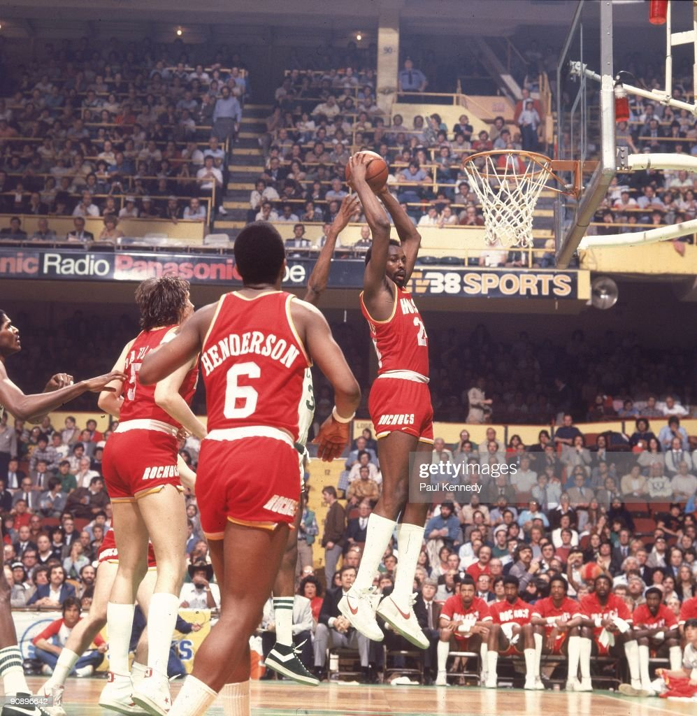 Houston Rockets Nba Championships: Houston Rockets Moses Malone In Action Vs Boston Celtics