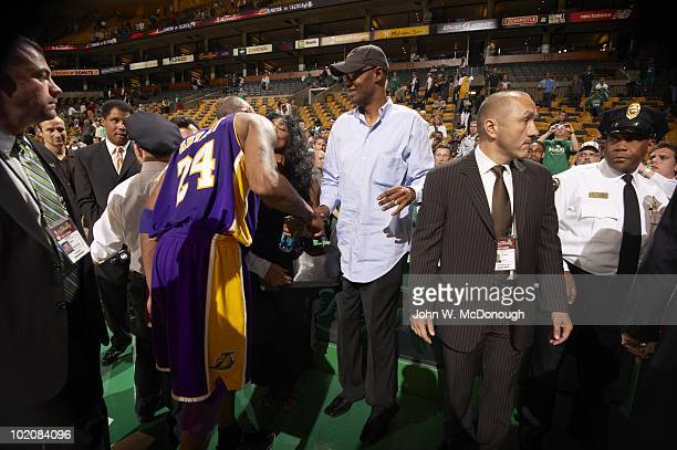 Finals: Los Angeles Lakers Kobe Bryant with parents mother Pam and father Joe after Game 3 vs Boston Celtics. Boston, MA 6/8/2010 CREDIT: John W....