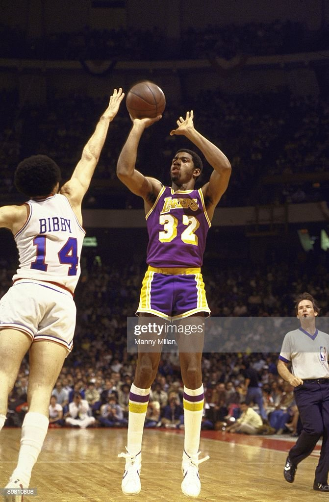 Nba Basketball Los Angeles Lakers: Los Angeles Lakers Magic Johnson In Action, Shot Vs