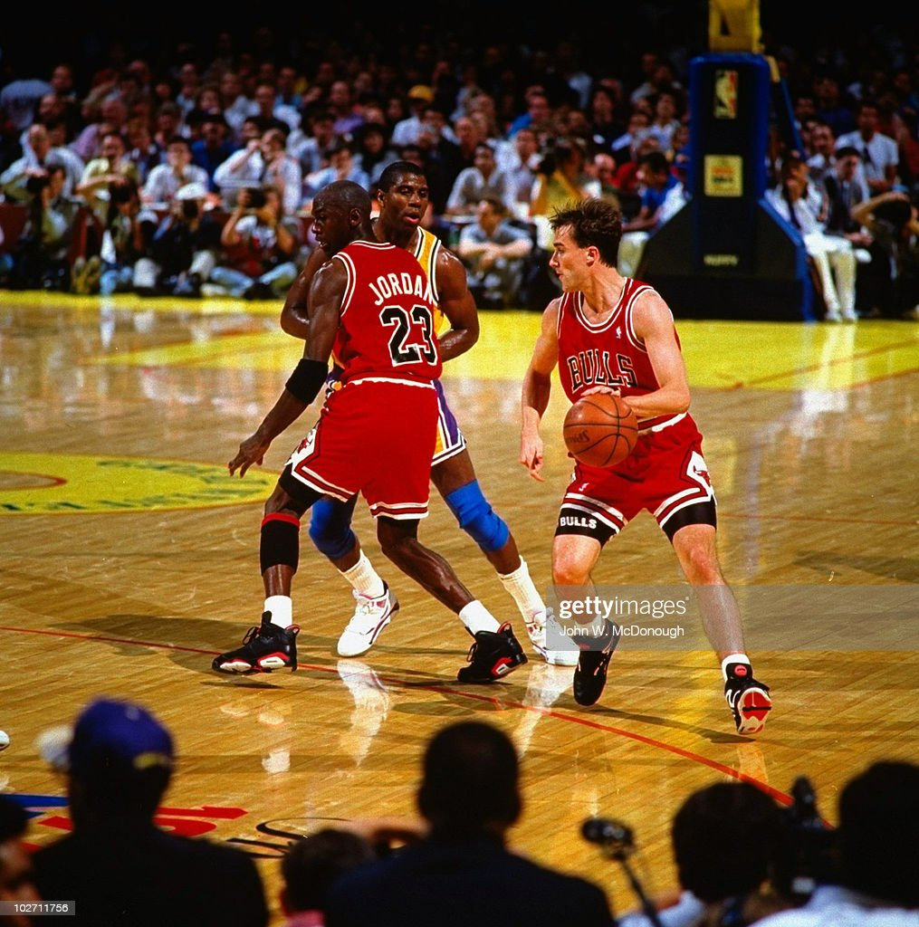 Los Angeles Lakers Magic Johnson in action vs Chicago ...