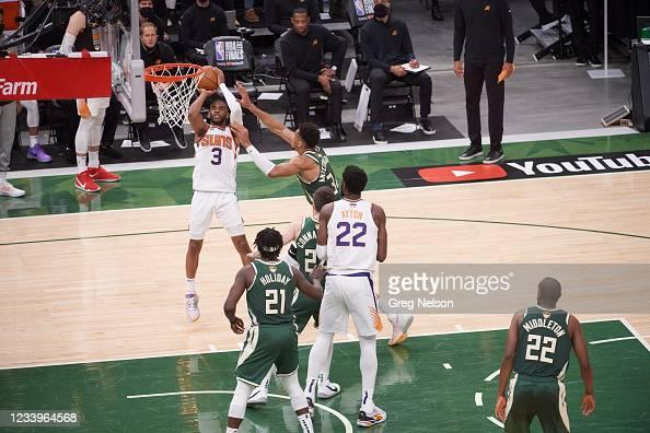 Phoenix Suns Chris Paul in action vs Milwaukee Bucks at ...