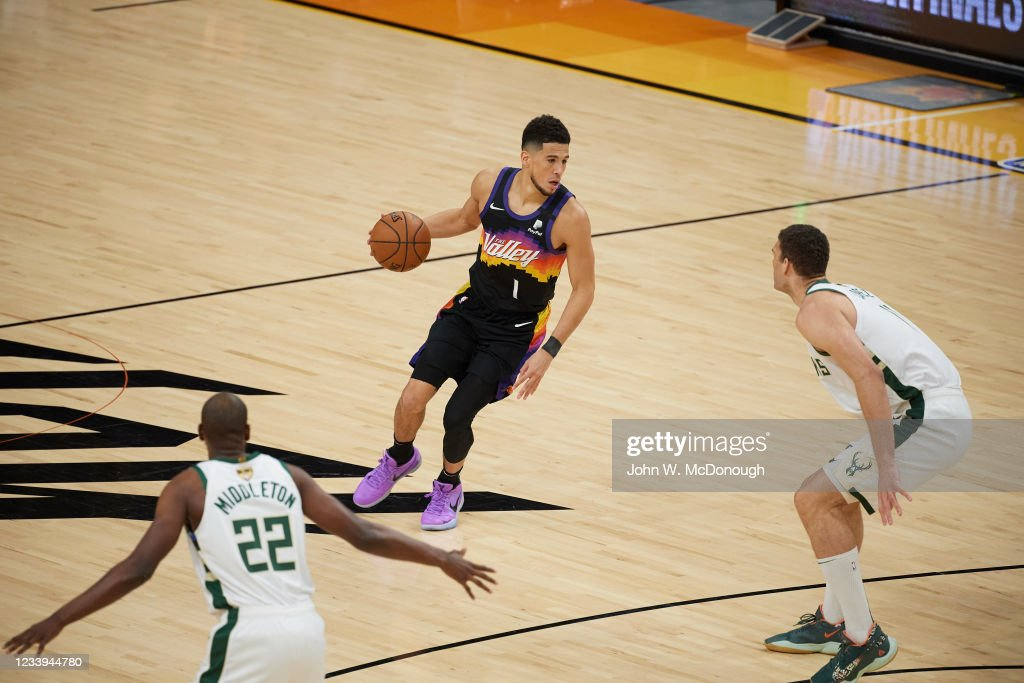 Phoenix Suns Devin Booker in action vs Milwaukee Bucks at ...