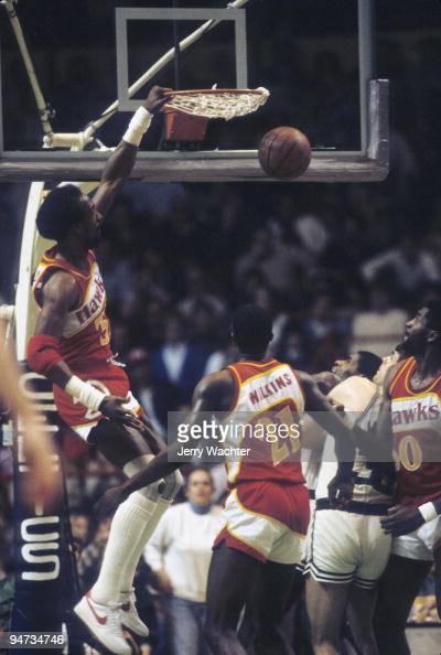 Atlanta Hawks Dan Roundfield in action, dunk Boston ...