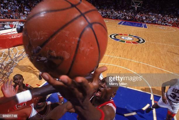 NBA Playoffs Chicago Bulls Michael Jordan in action shot vs Philadelphia 76ers Game 3 Philadelphia PA 5/10/1991 CREDIT Manny Millan