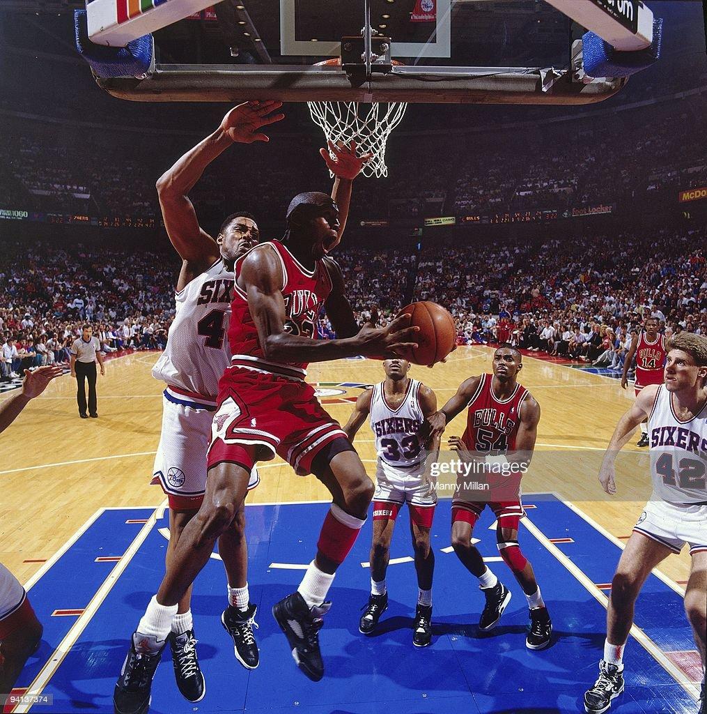 Chicago Bulls Michael Jordan in action, shot vs ...