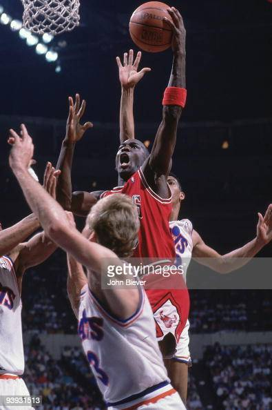 Chicago Bulls Michael Jordan In Action Vs Cleveland Cavaliers Game