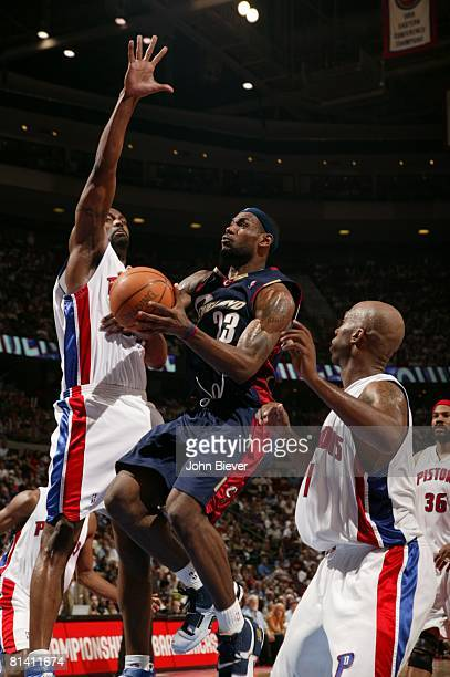 Basketball NBA Playoffs Cleveland Cavaliers LeBron James in action layup vs Detroit Pistons Game 5 Auburn Hills MI 5/31/2007
