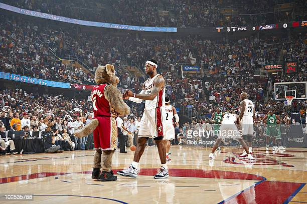 Playoffs: Cleveland Cavaliers LeBron James with mascot Moondog during game vs Boston Celtics. Game 1. Cleveland, OH 5/1/2010 CREDIT: Bob Rosato...