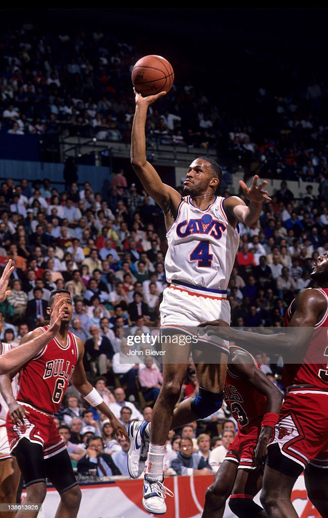 Cleveland Cavaliers Ron Harper in action vs Chicago Bulls ...