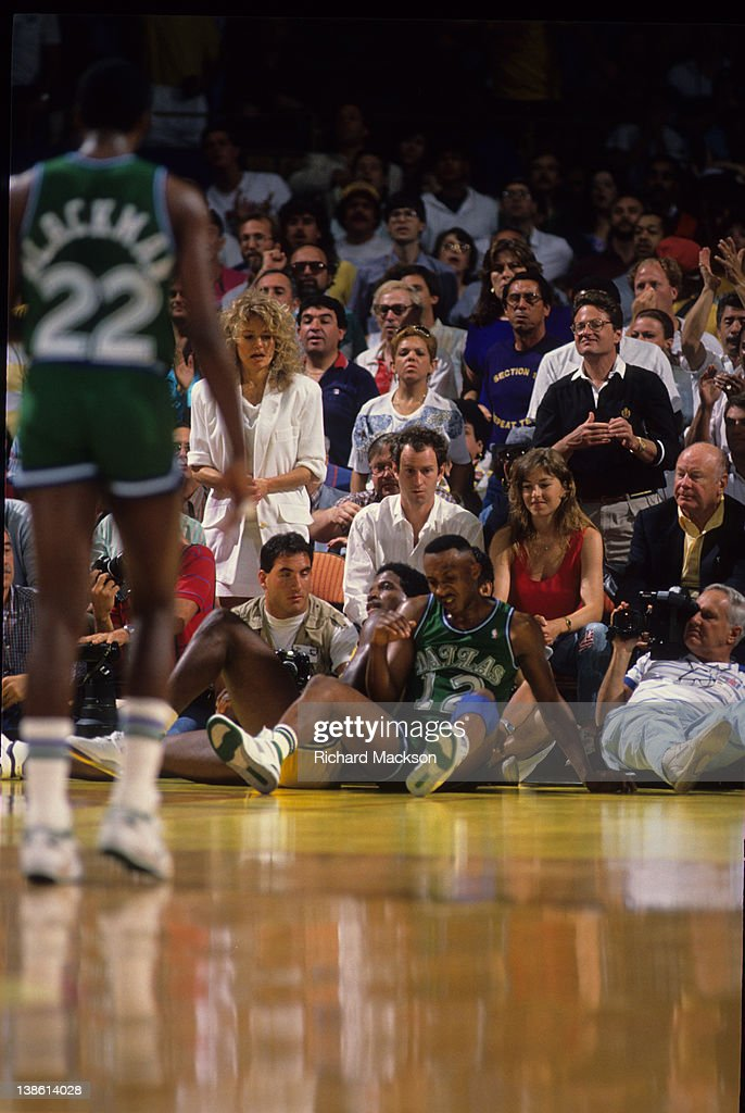 Dallas Mavericks Derek Harper And Los Angeles Lakers A C