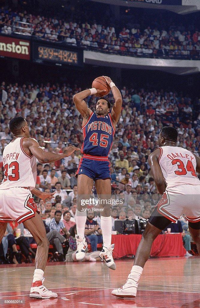 Detroit Pistons Adrian Dantley in action, shooting vs ...