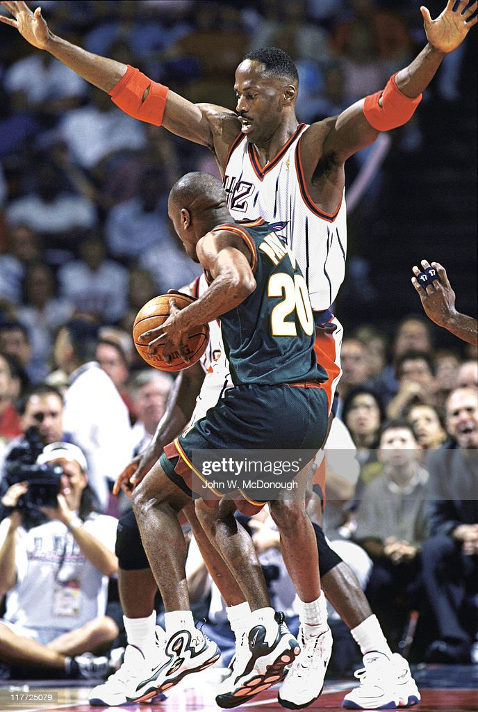 Houston Rockets Kevin Willis in action, defense vs Seattle ...
