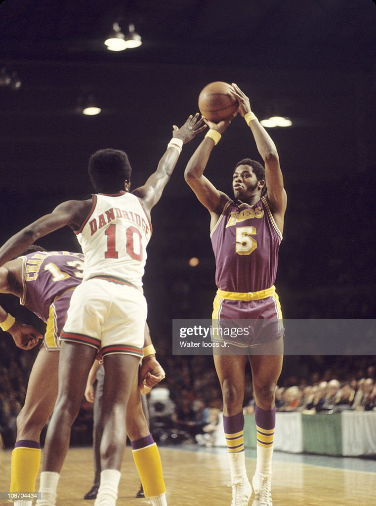 Los Angeles Lakers Jim McMillian in action vs Milwaukee ...