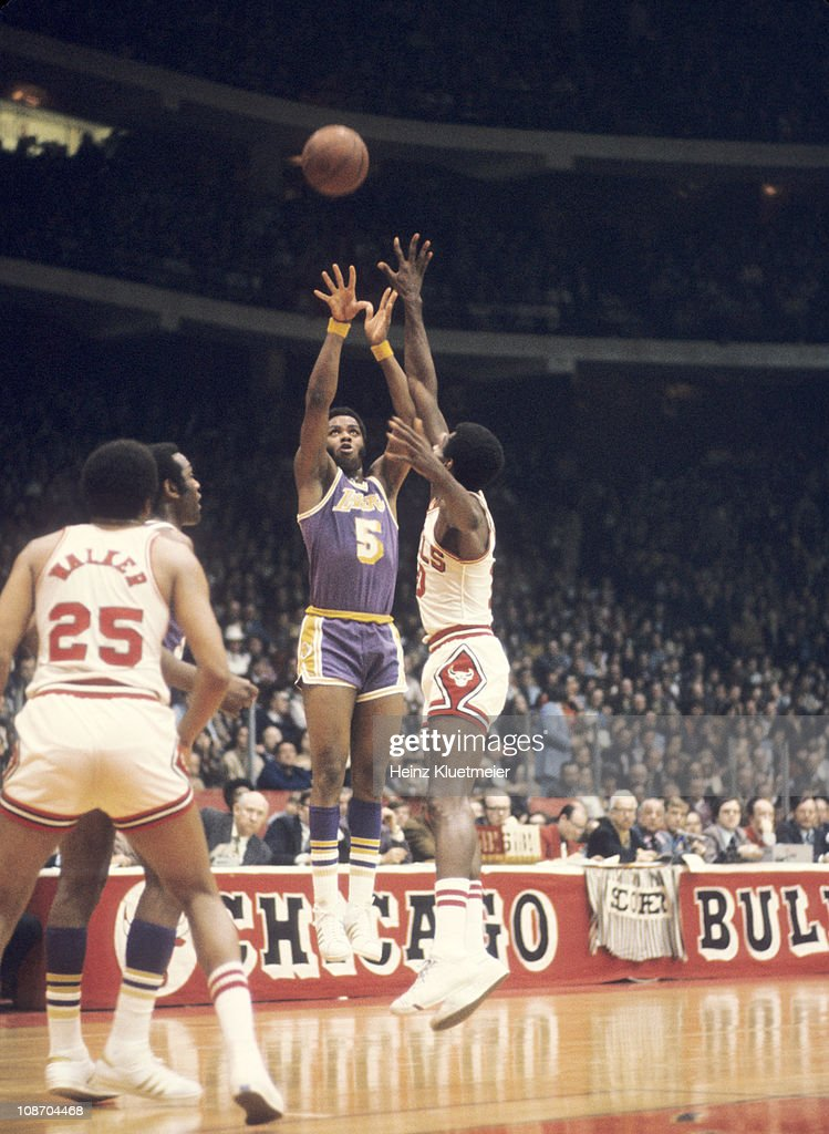 Nba Basketball Los Angeles Lakers: Los Angeles Lakers Jim McMillian In Action Vs Chicago