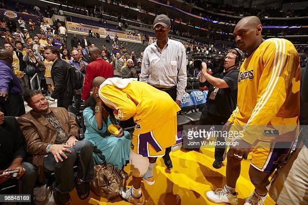 NBA Playoffs Los Angeles Lakers Kobe Bryant with mother Pam and father Joe before game vs Oklahoma City Thunder Game 5 Los Angeles CA 4/27/2010...