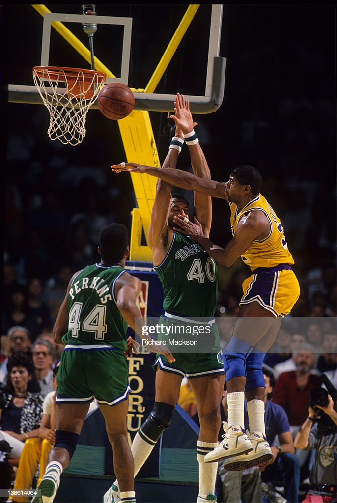 Los Angeles Lakers Magic Johnson In Action Passing Vs