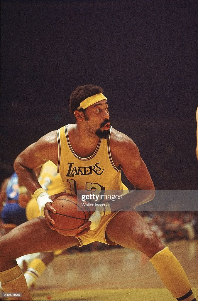 Los Angeles Lakers Wilt Chamberlain, 1972 NBA Western Conference Finals : News Photo